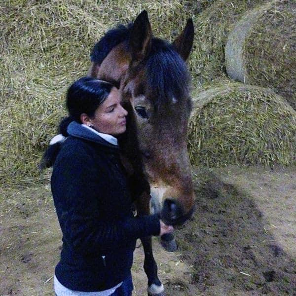 Mein Pferd im Heustall